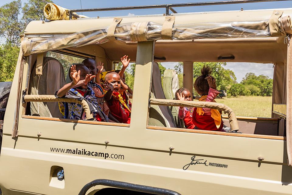 Malaika-Jeep-with-Kids-1871